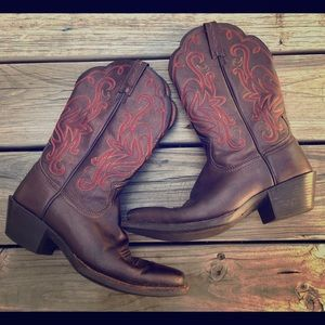 Ariat Square toe western cowgirl boots size 7B